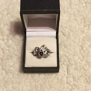 Vintage sterling silver ring with 4 stones